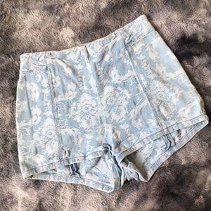 Kimchi Blue Lace Print Chambray Shorts